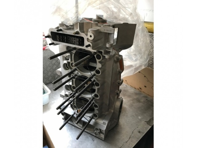 993 Porsche Carrera / Turbo engine block with crankshaft and connecting rod overhauled