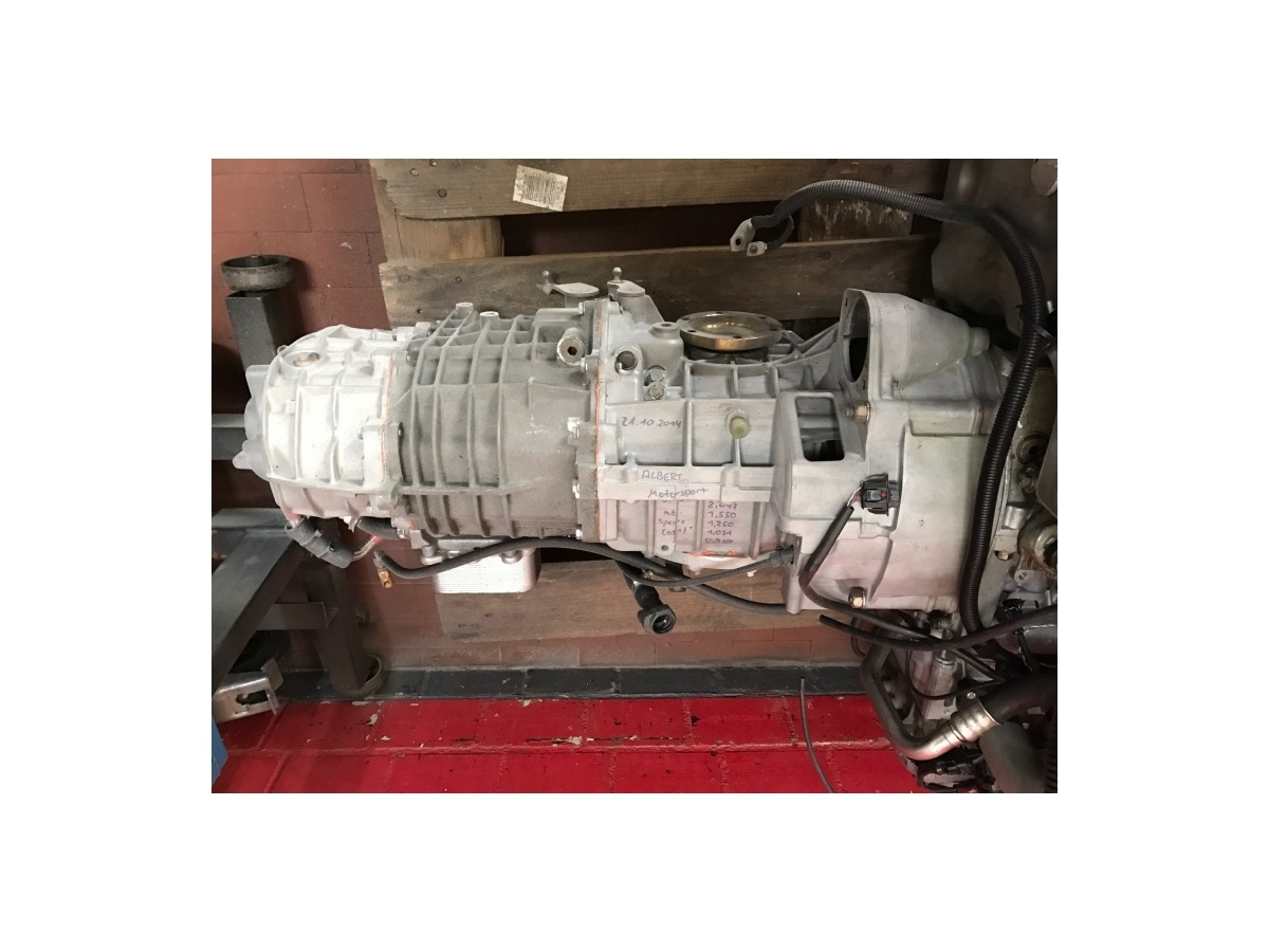 Porsche 996 - 997 GT2 racing gearbox with shorter gear ratio and straight gear 3rd and 4th gear. Final transmission 9:31.