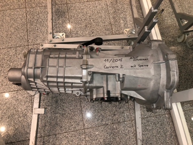 915 Gearbox for mid-engined vehicles with Porsche engine