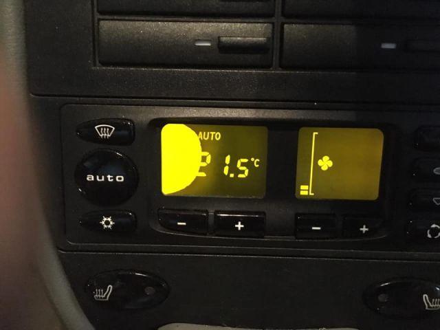 Porsche climate control panel repairs pixel errors