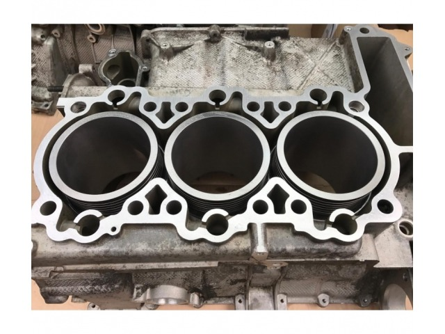 986 - 987 - 996 Porsche engine block with 2.5 - 2.7 - 3.2 - 3.4 liter cylinder and reconditioned pistons in exchange