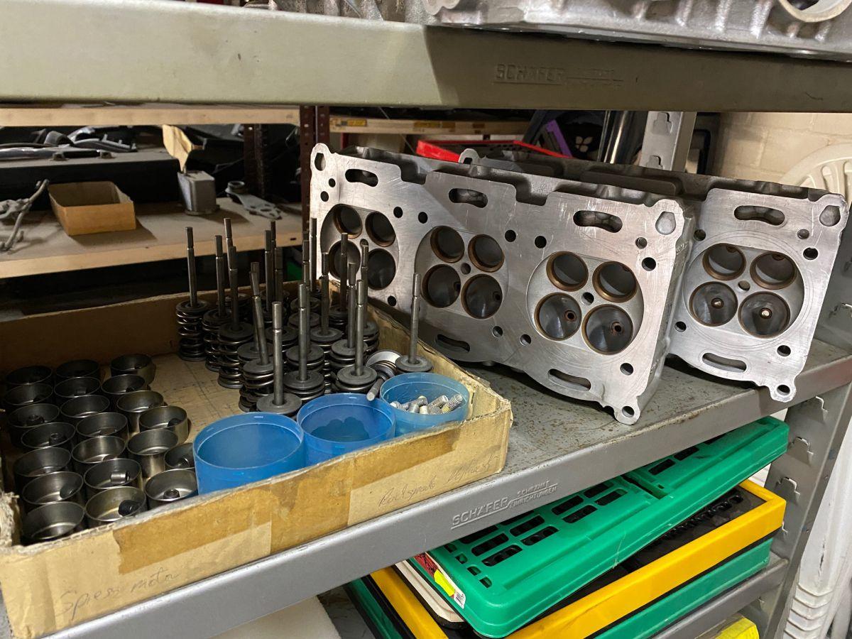 996 GT3 R RSR cylinder heads with titanium valves complete Porsche 911