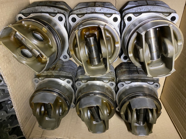 964 pistons and cylinders used in good condition from conversion Porsche 911