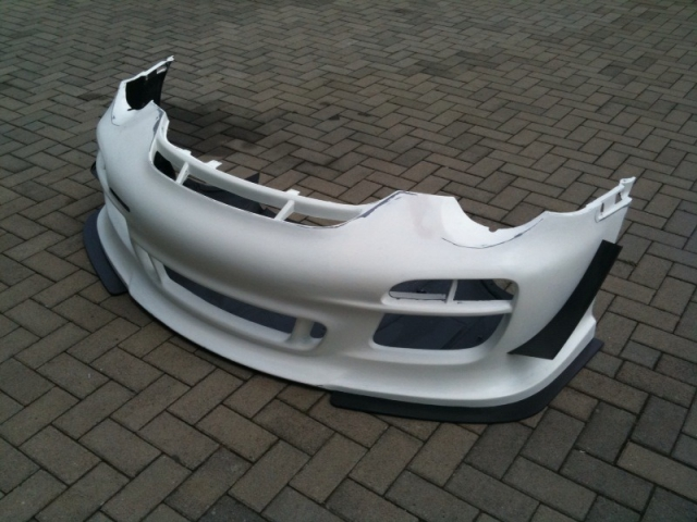 997.2 GT3 Cup front bumper made of carbon with gelcoat