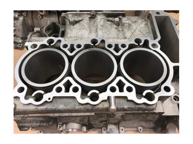 996 - 997 MK1 Porsche engine block with 3.8 liter cylinder and piston in exchange