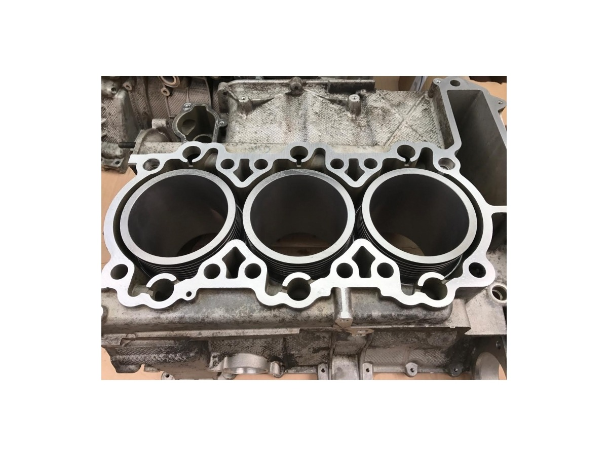 996 - 997 MK1 Porsche engine block with 3.8 liter cylinder and piston in exchange